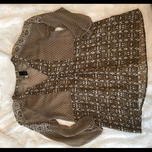 Buckle BKE Boutique Top, size small.